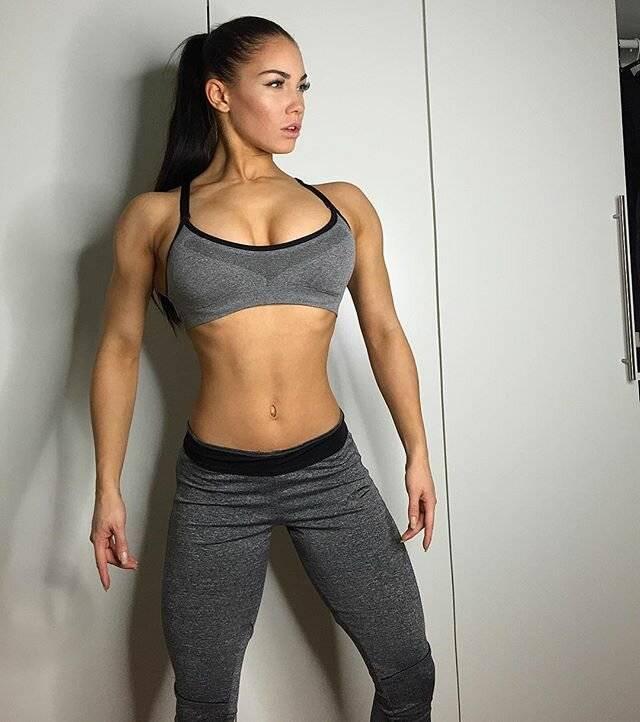 Стефани дэвис (stephanie davis)