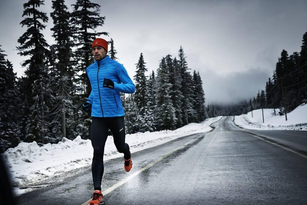В чем бегать зимой на улице: одежда, обувь
