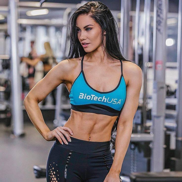 Стефани виада: plus size модель с пышными формами
