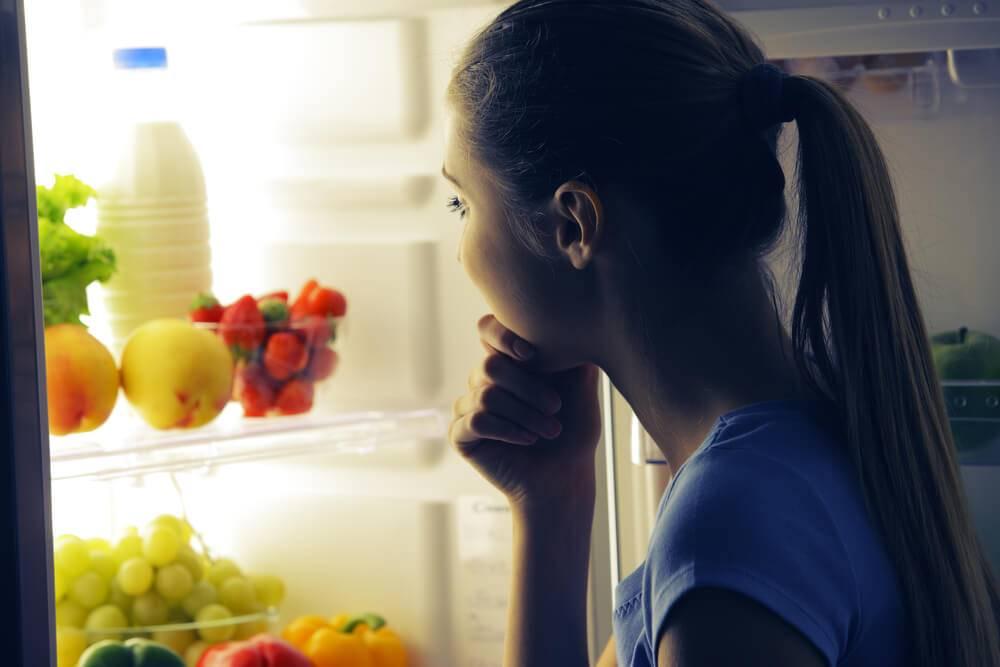 Диетологи рассказали, что можно съесть перед сном