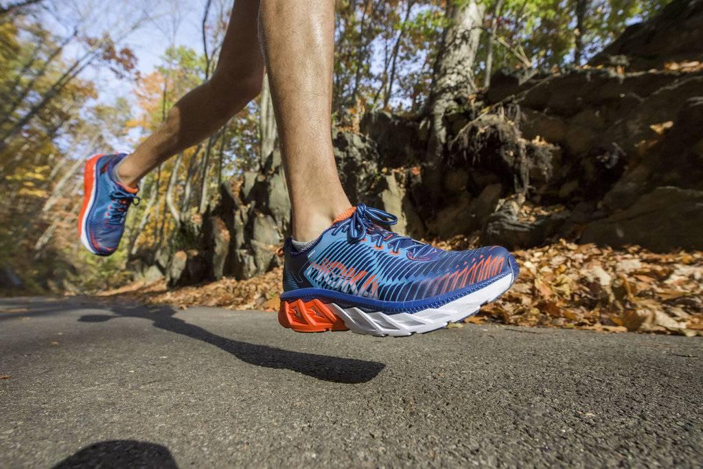 6 ведущих производителей кроссовок для бега: бренды и их основные характеристики