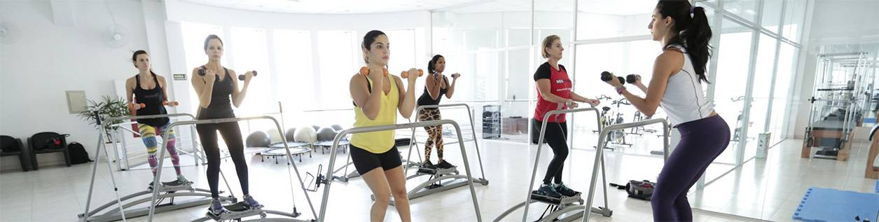 Комплекс упражнений для похудения в тренажерном зале для женщин 50 лет. возрастные нюансы | я худею